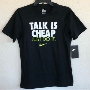 New Nike black talk is cheap t-shirt